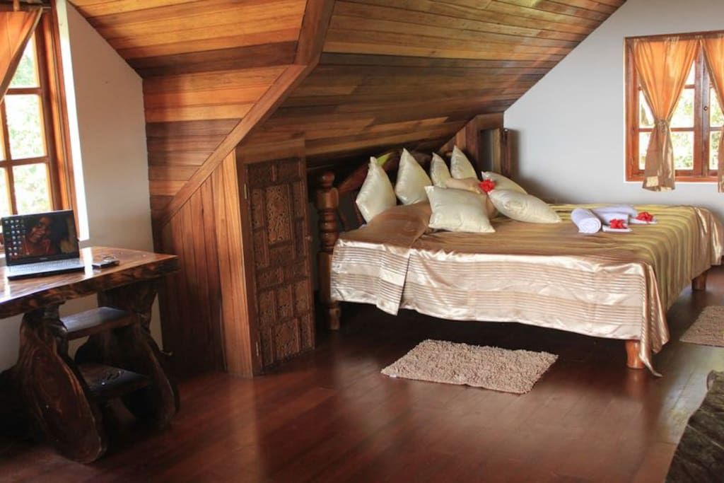 King-size bed (or may be 2 twin beds if you wish) on the upper floor