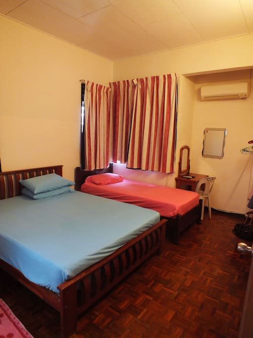 Room1 attach Toilet (1 Queen& 1 Single Bed)