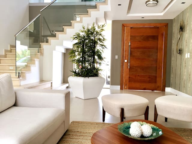 Coral Jazmin Luxury Villa: 5 Bedroom +Private Pool