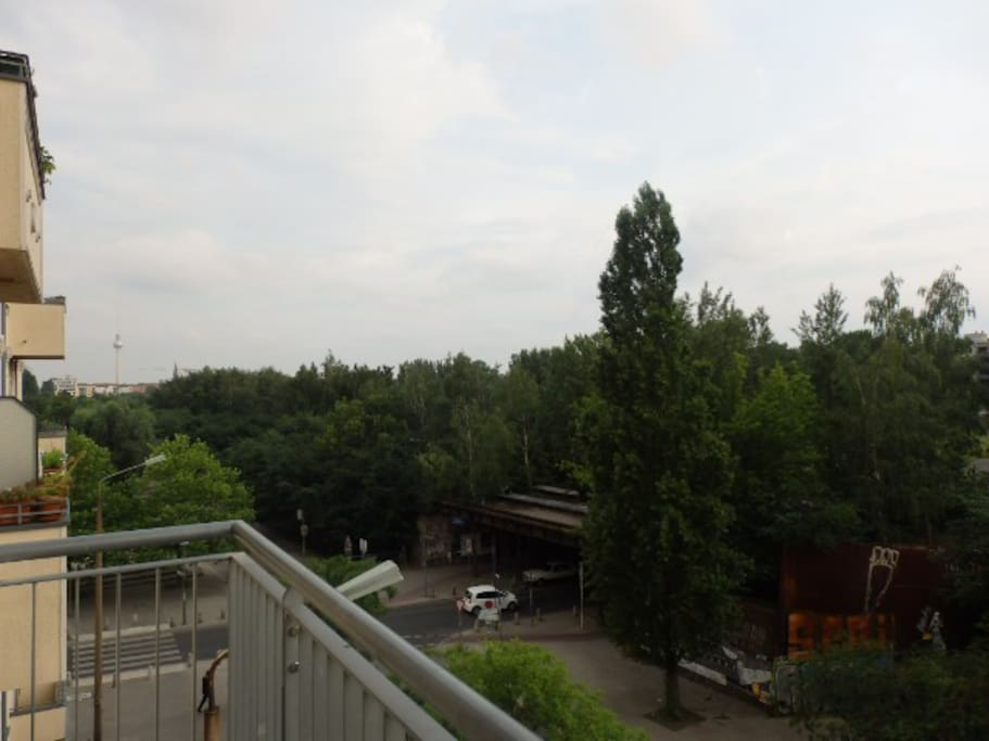 Balcony with panoramic view of the Mauerpark