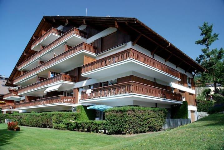 Charmant appartement avec vue sur les alpes - Crans-Montana - Lägenhet