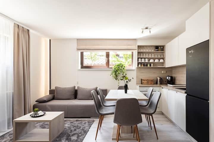 Wonderhill - Apartment & Playroom