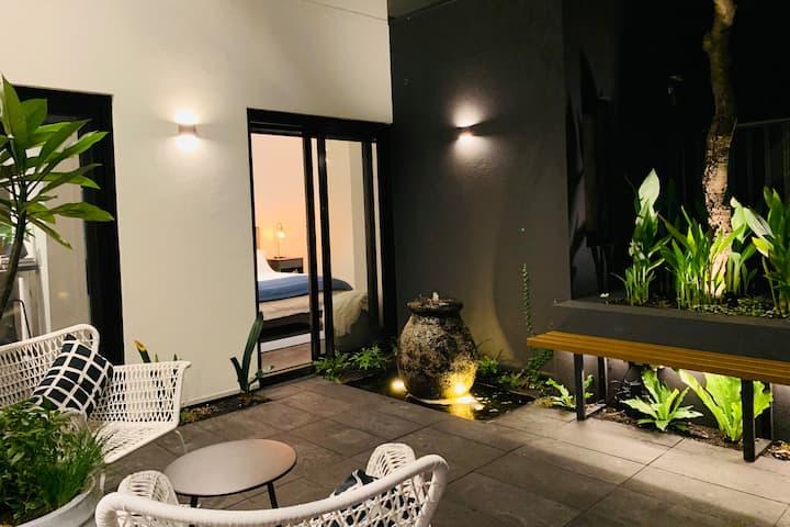 Inner City Courtyard Retreat -  1 Bedroom Studio