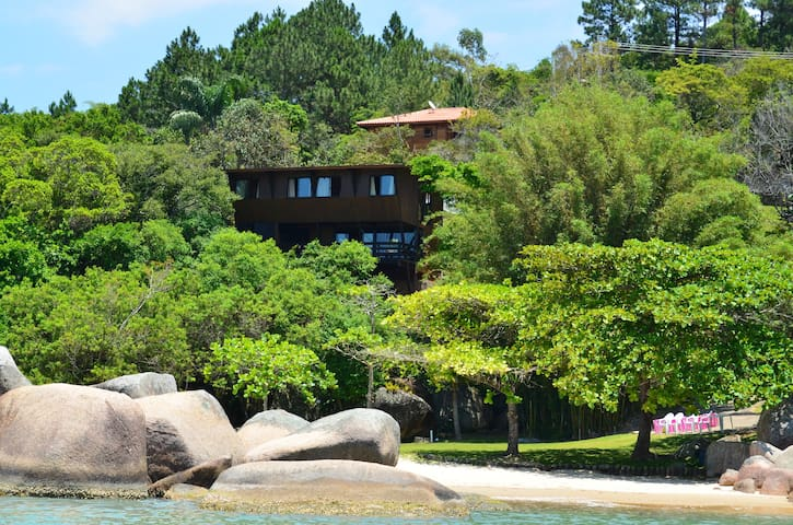 exceptional property private beach - Governador Celso Ramos - House