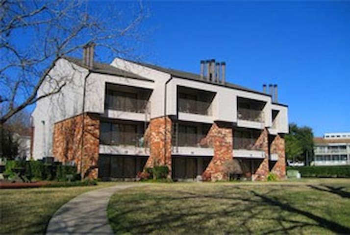 2 Bed Lake Conroe Homeowners - Montgomery - Apartment