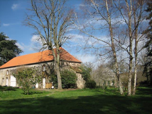 Annexe au Château Domaine du Fan