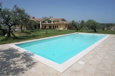 Komfortabelt pensionat med pool i nærheden Rom