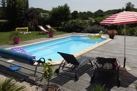 Maison, grand jardin avec piscine - Guidel - 一軒家