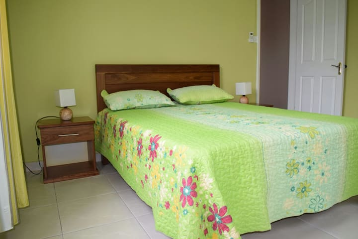 MAIVA KITE VILLA-2 Bedrooms-Pick up & Cars Rental