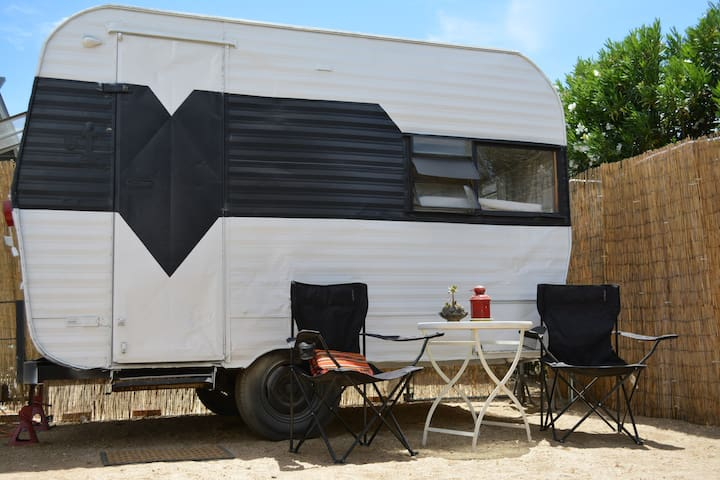 8ft X 11ft Terry Travel Trailer For 2 W Queen Bed Furgonetas C Mper Autocaravanas En Alquiler