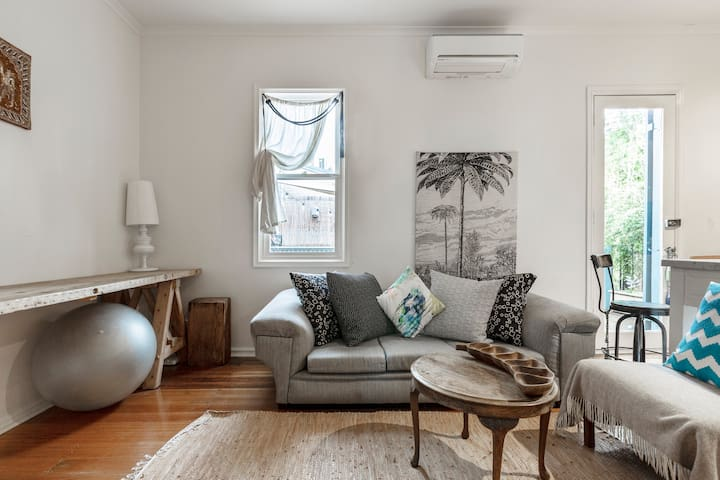 ★Bohemian St.Kilda Nights - Secluded Relaxed Comfy