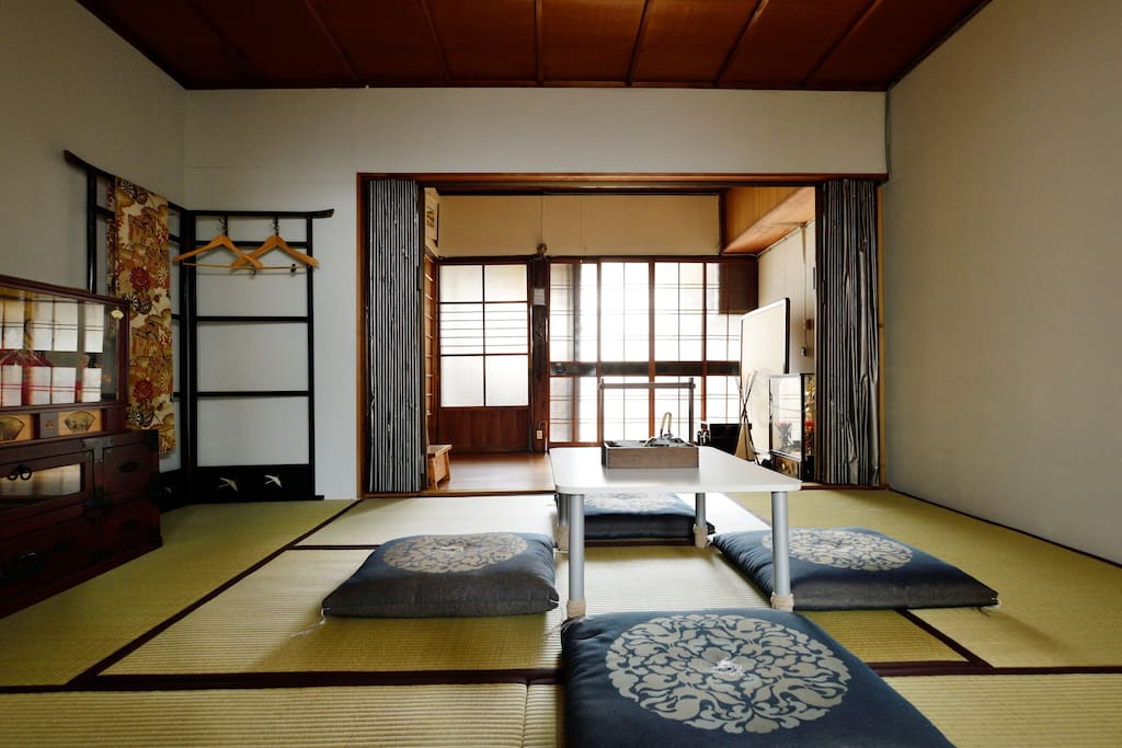 2 bed rooms are both Tatami.