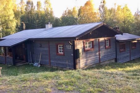 Rymlig nyrustad stuga i Sälen/ Kläppen 12.bäddar
