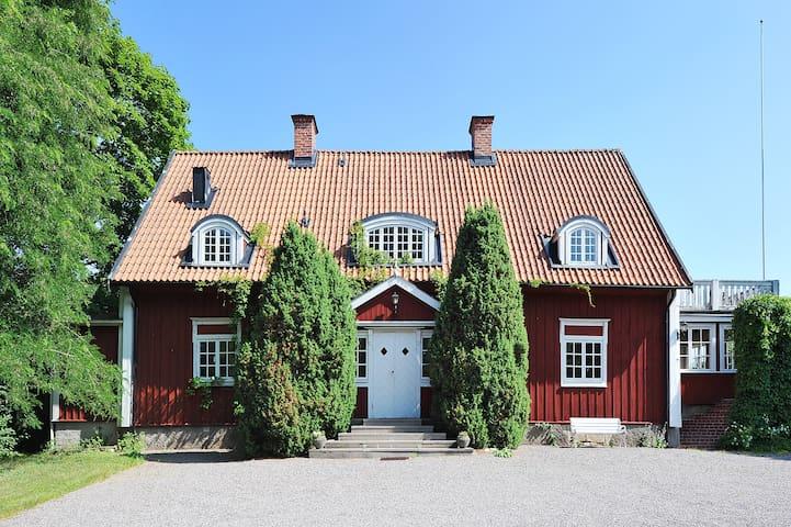 Kalkuddens Gård - Mariefred - House