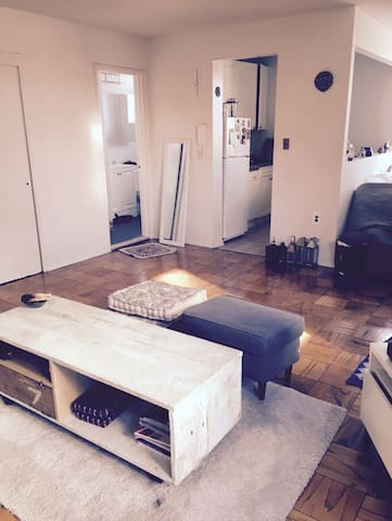 Charming Sunny Studio w/ great view - New York - Apartment
