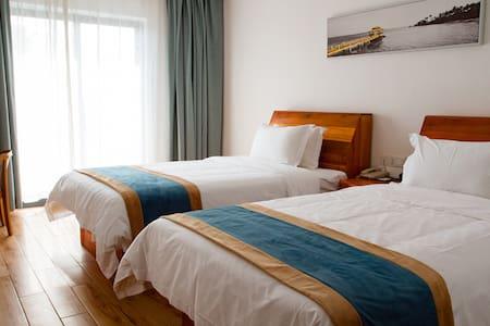 西哈努克 近胜利海滩、国际赌场/免费早餐&健身房&游泳池&自助洗衣房舒适双床房