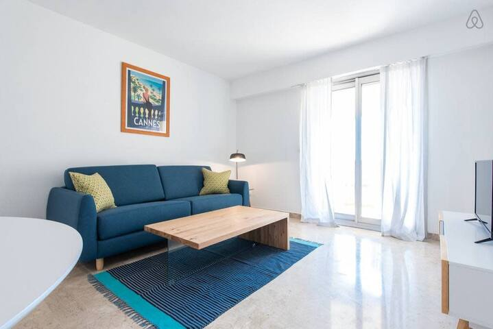 Light and stylish 1bed with terrace in Cannes city center (603)