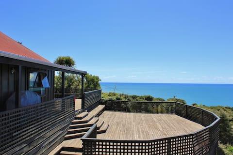 """The Big Deck - """"the best ocean views in Raglan"""""""