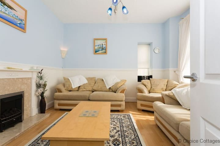 WOOLACOMBE HIBISCUS | 2 Bedrooms| Walk to Sandy Beach|