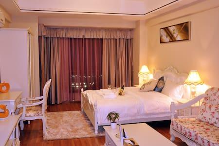 万达奥斯顿酒店公寓-臻品大床房 - Jiangmen
