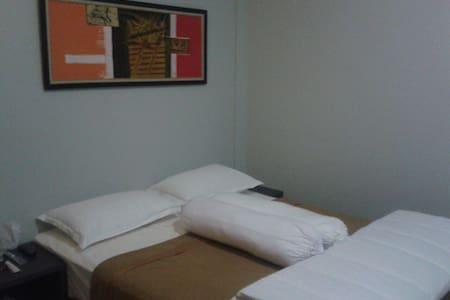 d'Raya Guest House - West Karawang