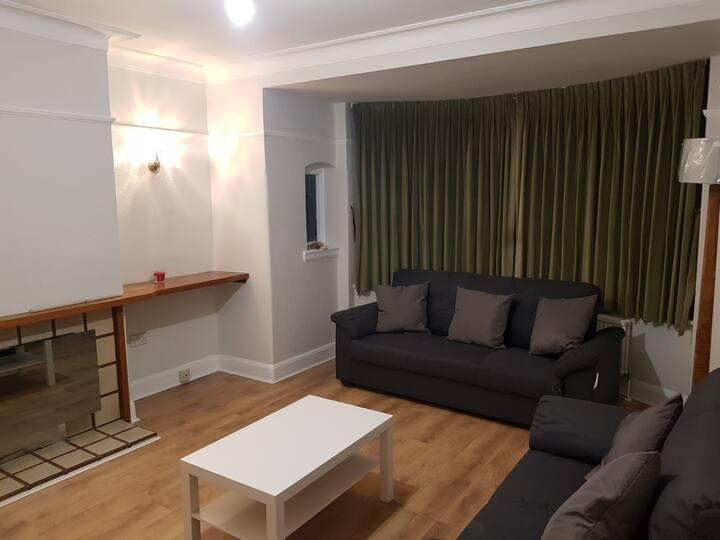 Quiet, Residential 3 Bedroom Victorian Property
