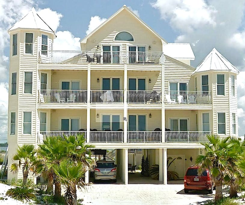 Sandcastle navarre beach fl houses for rent in for Big houses in florida