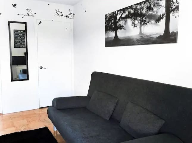Amazing cozy and warm male room on Manhattan IV