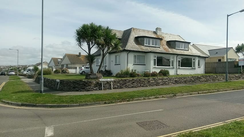 Lovely Big Double Room, Lusty Glaze Beach Newquay