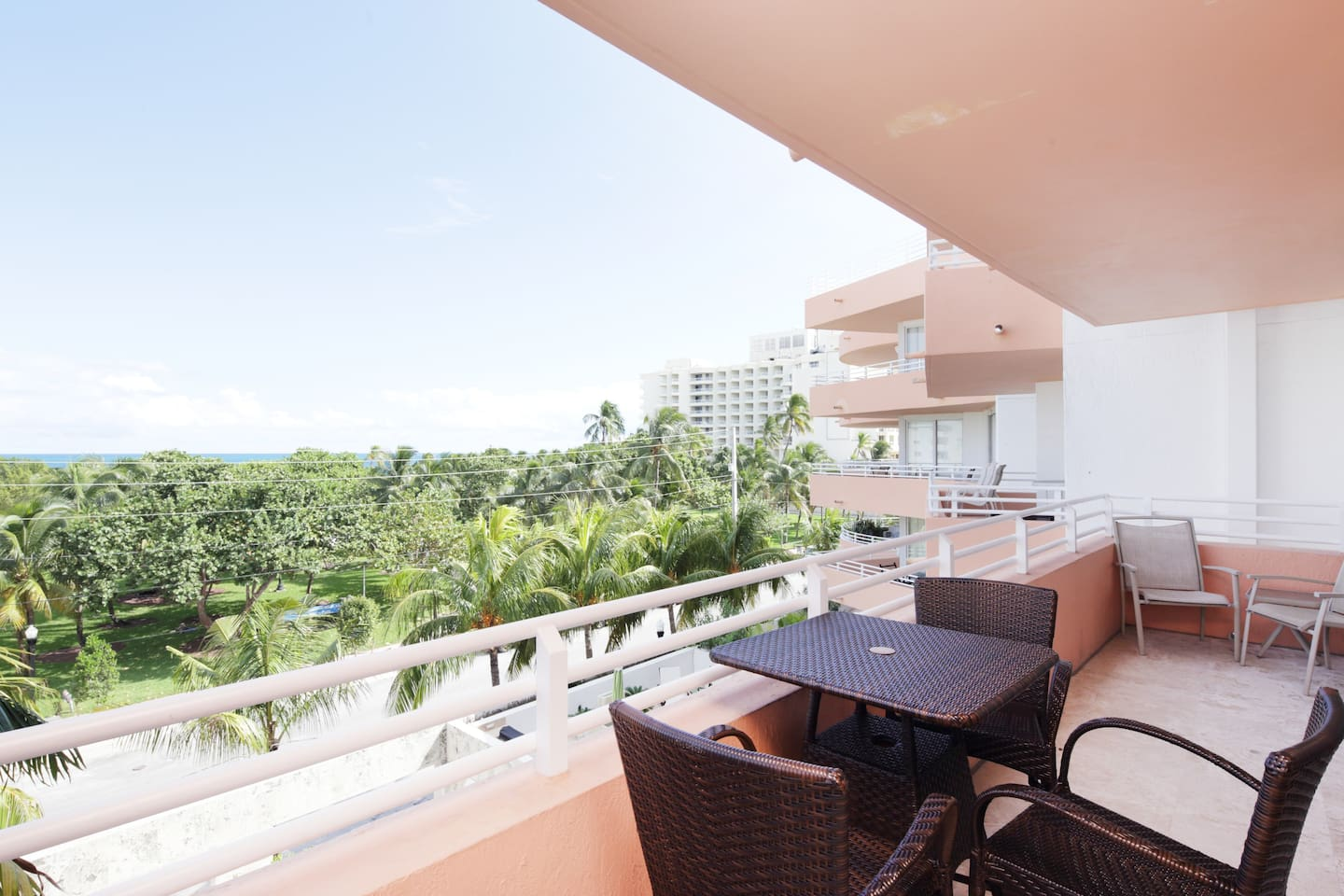 Balcony with Ocean View and outdoor dining