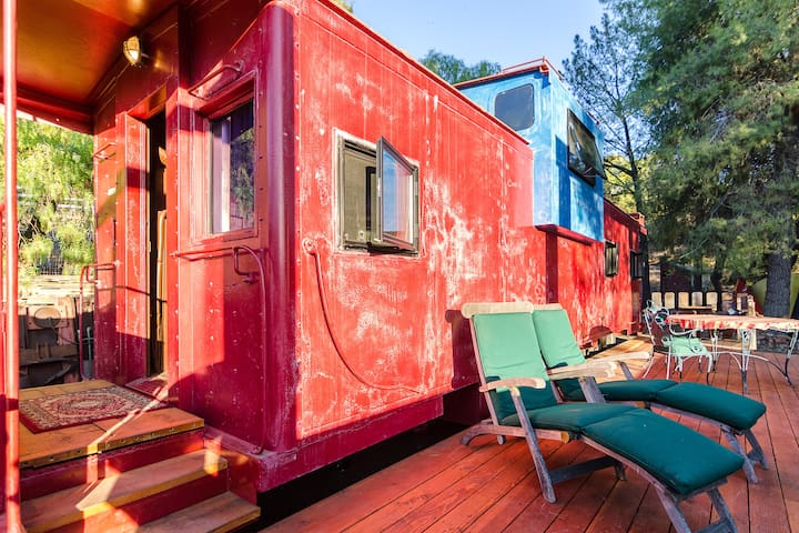 Train Caboose with view near Malibu - Agoura Hills