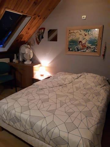 chambre 2, lit 140