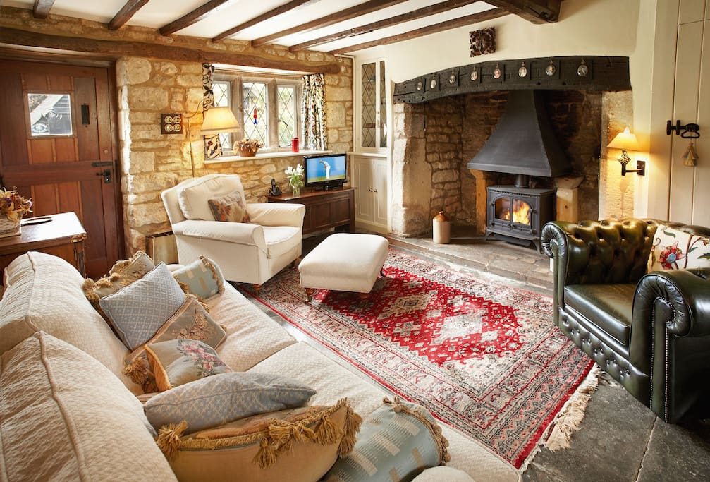 Ground floor:  Sitting room with gas effect wood burning stove