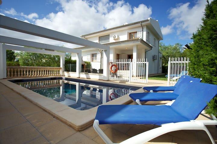 Comfortable Villa 150 m from Beach - Balearic Islands - Rumah