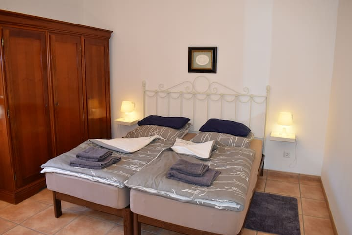 R4: Nice room in quiet finca - Manacor