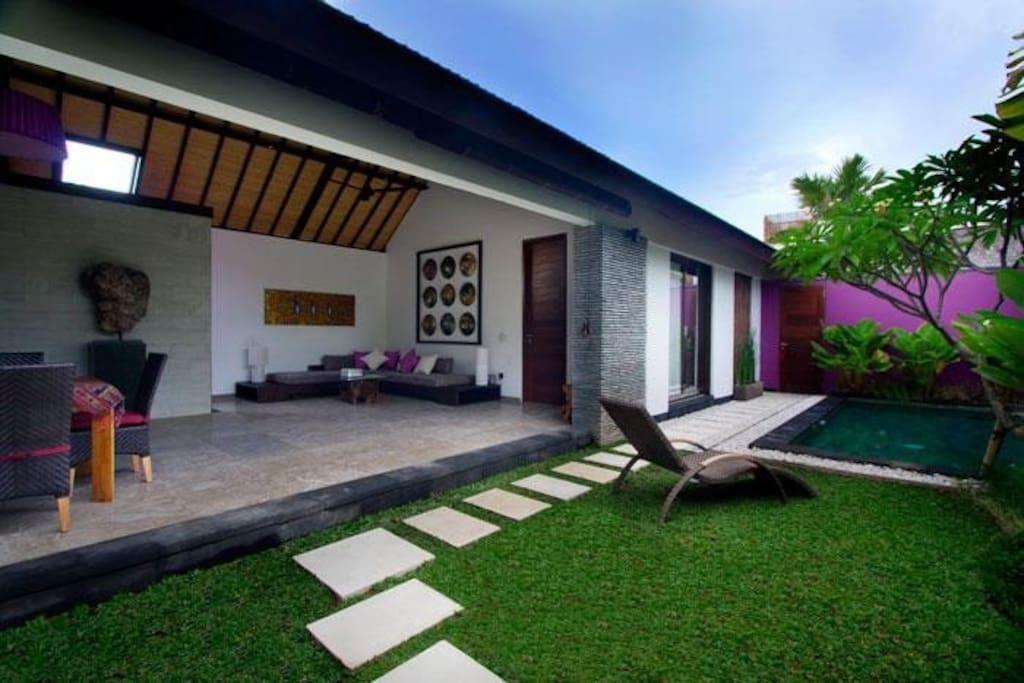 Villa violeta con piscina privada villas en alquiler en for Alquiler villas con piscina privada