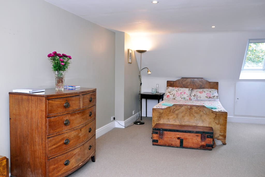 En-suite double in Edwardian semi