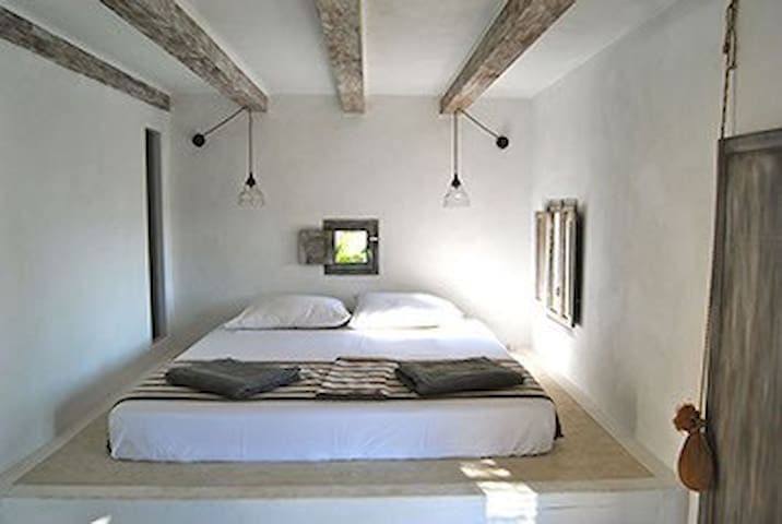 charming double room with bathroom and sunset view - Formentera - Mökki