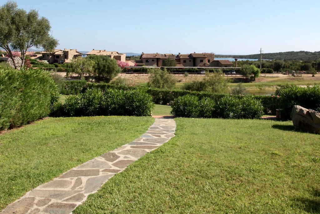 vialetto giardino principale
