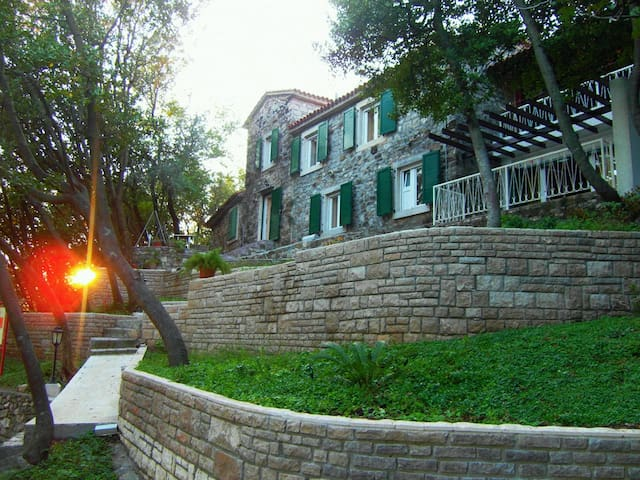 Old Stone House from 19th Century - Tivat - House