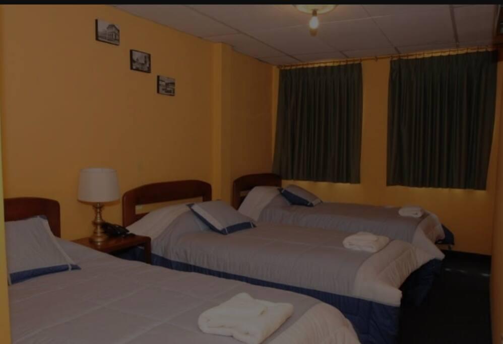 habitación compartida..$15.oo dólares por persona..(dos camas)..un ambiente familiar..acogedor..