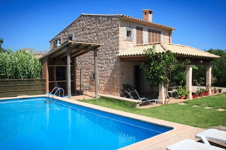 Charming Villa with pool near beach