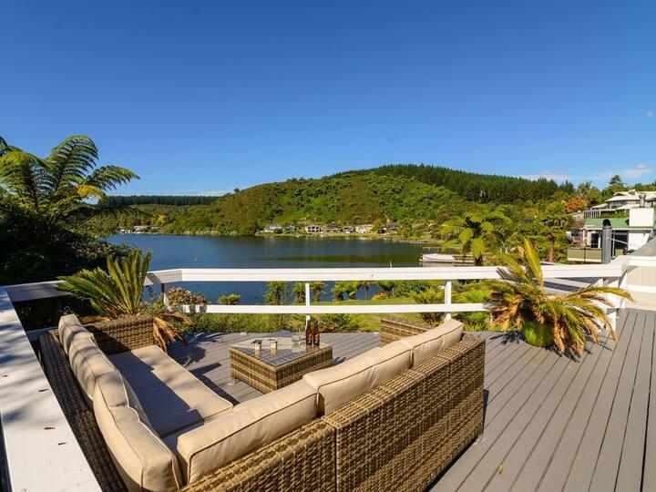 Mourea Lakefront Magic