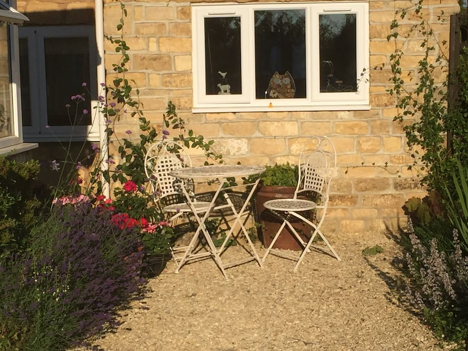 Front Garden with Table & Chairs