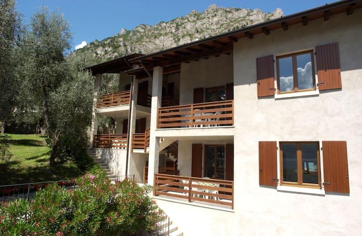Appartamenti Vacanze a Limone sul Garda - P.T. sx