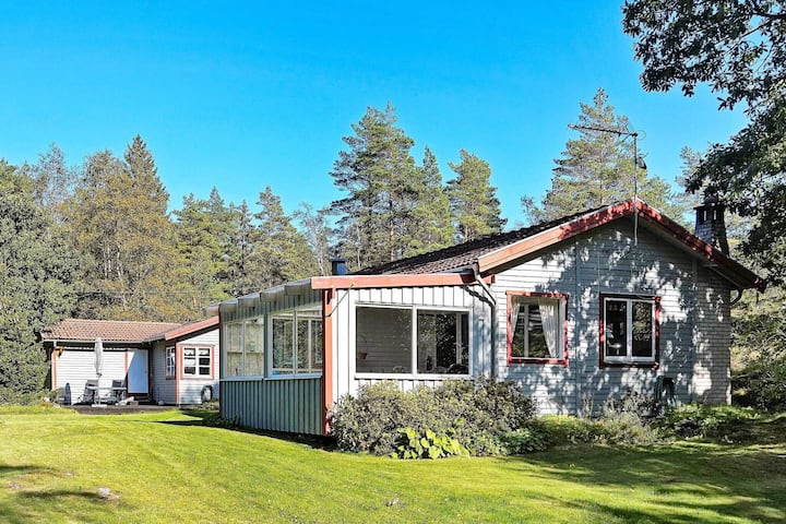 8 person holiday home in HENÅN
