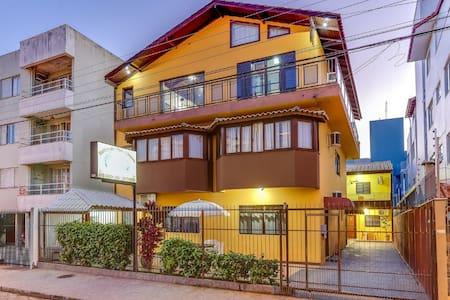 Residencial Tânia Apartamentos Canasvieiras (AP4)