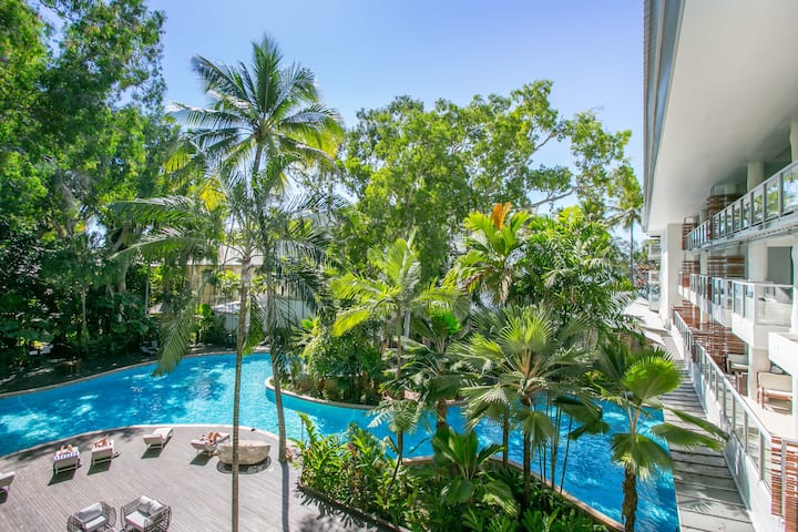 Tandy   Drift Apartments Pool View
