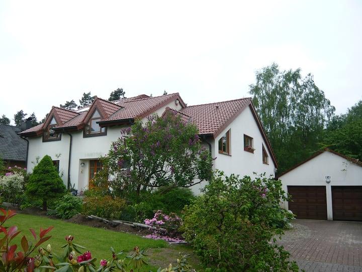 Großes Siedlungshaus mit Charme am Waldrand