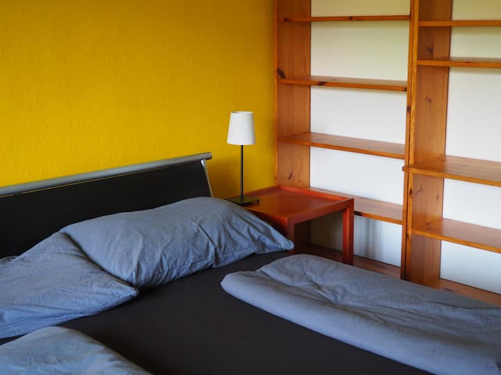 Grosses, sehr ruhiges Zimmer in der Stadt Bern
